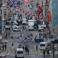 عاجل بالفيديو والصور...انفجار يهز وسط إسطنبول وسقوط وفيات ومصابين